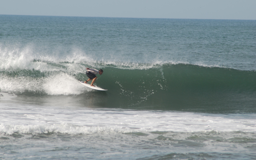 Robert, with wings spread, setting up for a nice barrel section.